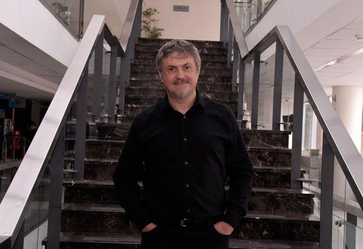 Profesor. Cabeza vivió un tiempo en Japón y desde 2001 trabaja en la Universidad de Duke.