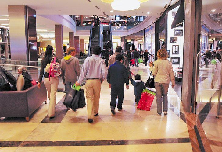 Temporada. Hay menos compras en cuotas en locales de ropa y el Ahora 12 no compensa.