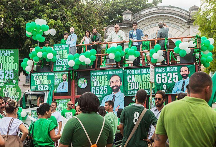 Mundo. La ficción que arrancó con un inocente preso por un crimen que no cometió, va por el camino de las elecciones en un Brasil convulsionado por la corrupción.