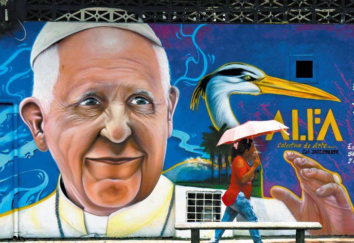 Agasajado. Las calles de Bogotá y otras ciudades del país ya lucen repletas de murales y carteles de bienvenida para el Pontífice.