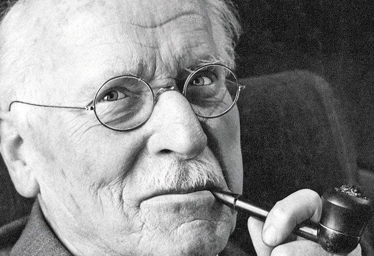 Carl Jung. Define la sombra como el rincón oscuro de la naturaleza humana.