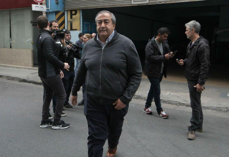 Héctor Daer al llegar a la reunión con Jorge Triaca.