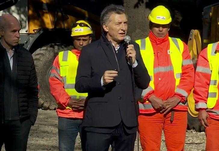 Macri al inaugurar obras del Viaducto Mitre.