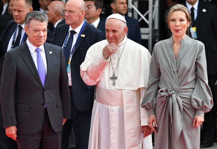 Francisco fue recibido por el presidente Juan Manuel Santos y su primera dama, Maria Clemencia Rodriguez