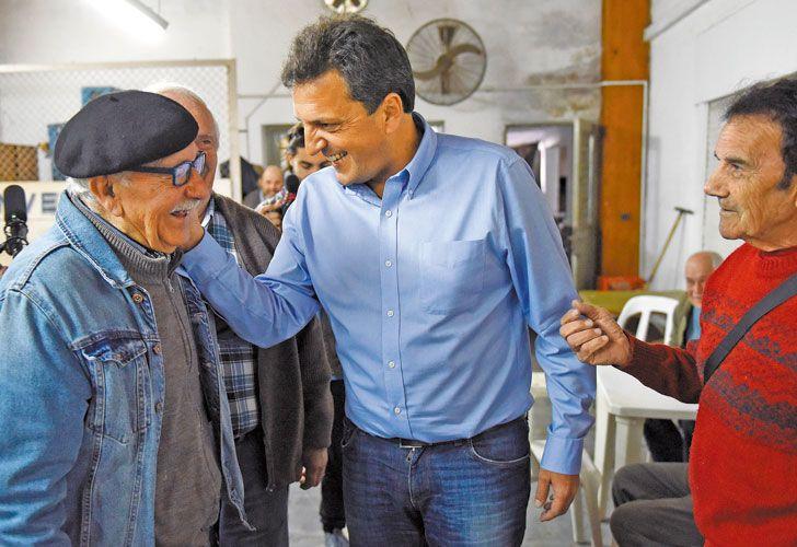 Pelea. El candidato de 1País, que ayer estuvo en el interior bonaerense, busca subir el 15% que obtuvo en las PASO. En el entorno de Randazzo dicen que los dirigentes que lo abandonan perdieron en sus distritos.