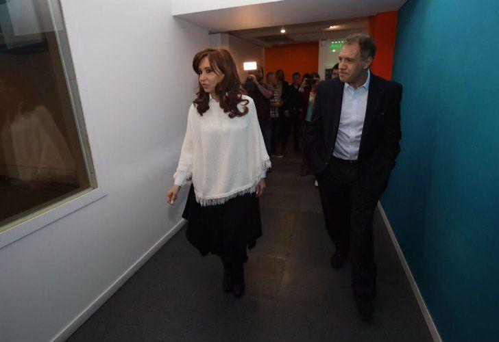 La expresidenta y el empresario juntos a pesar de su rivalidad.