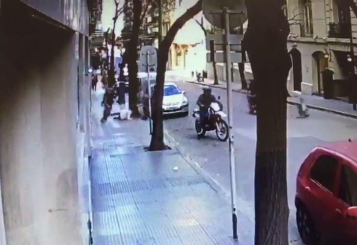El hecho ocurrió en el cruce de las calles Rodríguez Peña y Posadas.