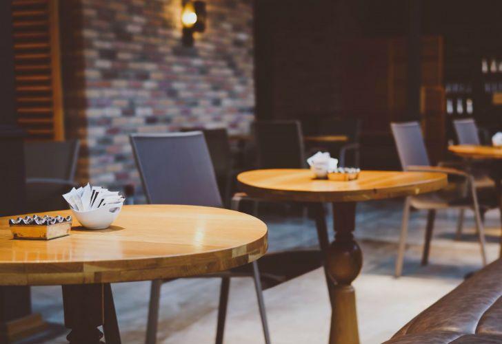 Los sobres de azúcar no pueden estar en las mesas en Córdoba.