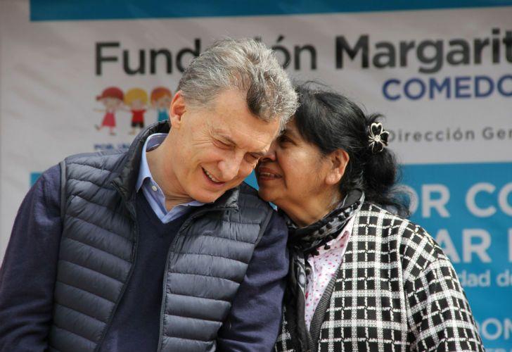 Macri junto a Margarita Barrientos ayer durante la inauguración.