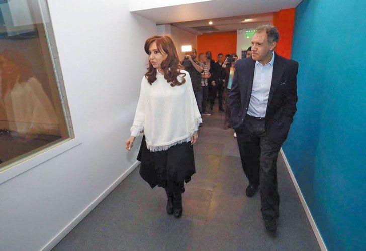 Juntos. Cristina Kirchner y Daniel Hadad, el jueves, antes de la entrevista con Luis Novaresio.