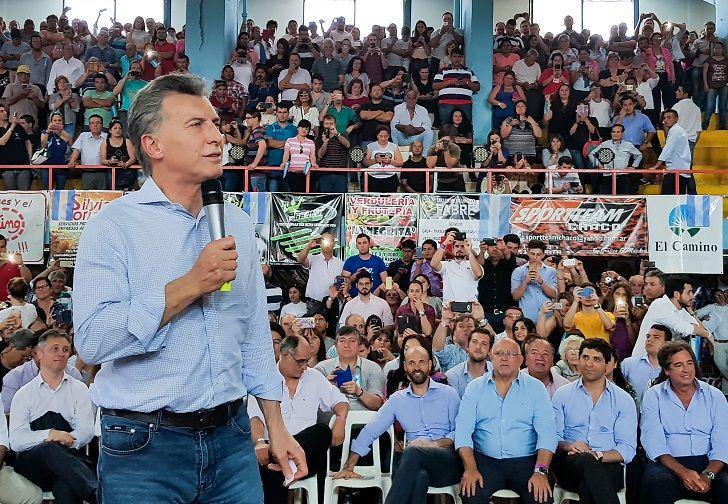 Macri hoy en el club Acción de la ciudad chaqueña de Roque Sáenz Peña.