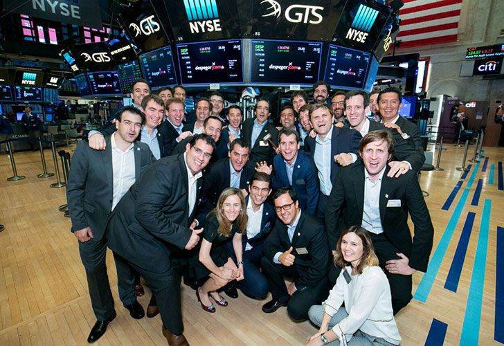 Alegría entre los fundadores de Despegar tras el debut en la bolsa de Nueva York