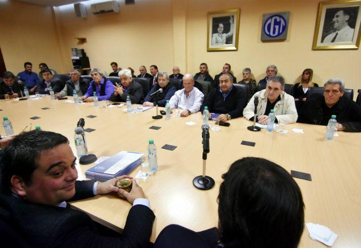 El ministro de Trabajo, Jorge Triaca, reunido con la cúpula de la CGT.