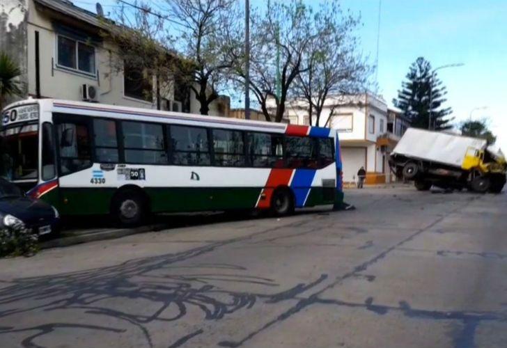 El choque ocurrió a las 8 en el cruce de las calles Timoteo Gordillo y Castañares.