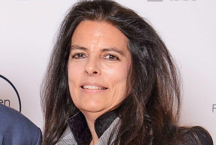 Hija.  Françoise tiene 64 años, es cultora del perfil bajo. En mayo de este año terminó con las batallas legales que le enfrentaron a su madre.