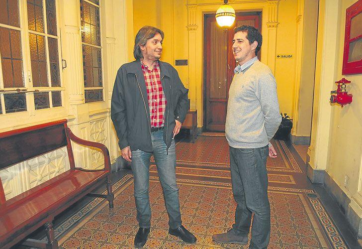 Con Wado. El diputado, el jueves por la noche, en el Congreso. A De Pedro lo tiene muy cerca.