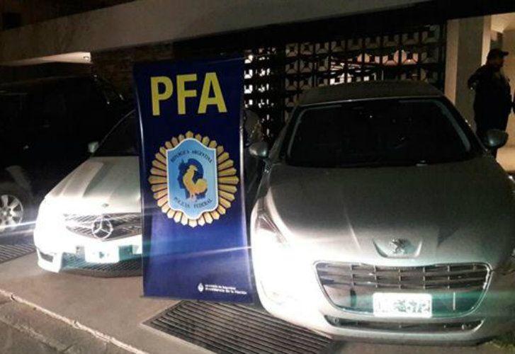Más de 100 autos fueron secuestrados en los allanamientos.