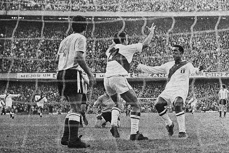 Déjà vu. La Selección recibe a Perú en cancha de Boca. No clasificó a México 70.