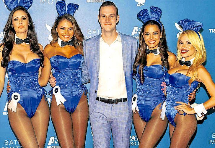 Cooper Hefner es hijo de creador de Playboy, fallecido el 27 de septiembre. Y es quien se propone que el apellido continue asociado a la legendaria empresa familiar.