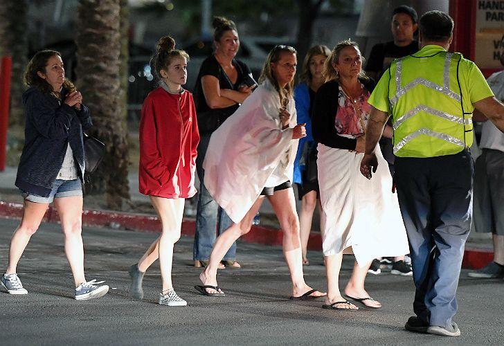 Así corrieron las víctimas rescatadas del tiroteo en Las Vegas.