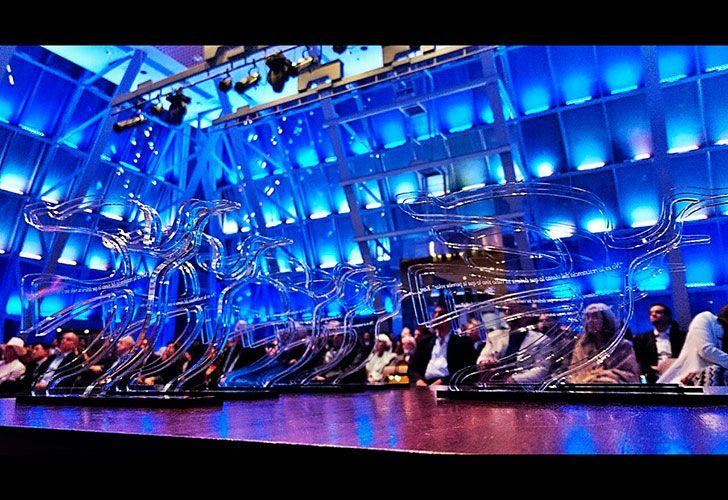 La cúpula del Centro Cultural Kirchner (CCK) se convirtió esta noche en el escenario en el cual la Editorial Perfil realizó la novena entrega de los Premios Perfil 2017