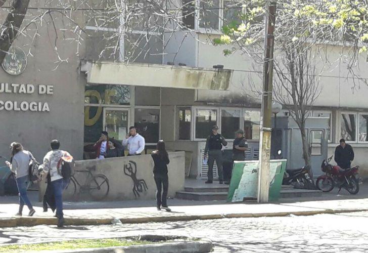 Ayer gendarmes entraron al predio durante un acto por la desaparición de Santiago Maldonado.