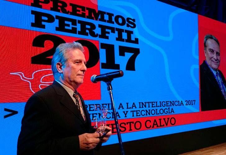 Ernesto Calvo, galardonado en los Premios Perfil 2017.