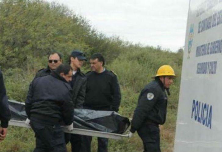 Los cuerpos de las víctimas fueron hallados en el piso y en la cama de la vivienda, ubicada en un paraje rural de Santiago del Estero