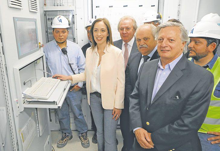 TODOS JUNTOS. Vidal, Granados y Aranguren inauguraron una central eléctrica la última semana.