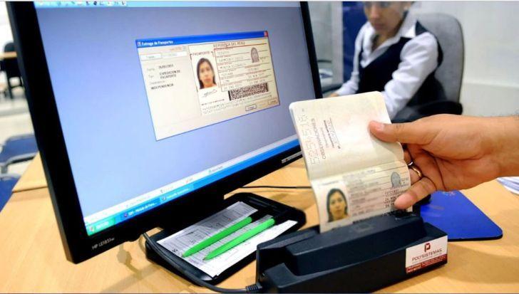 """EN EL LIMBO. Hace dos años 390 inmigrantes chinos fueron estafados por una empleada judicial y quedaron en un """"limbo judicial""""."""