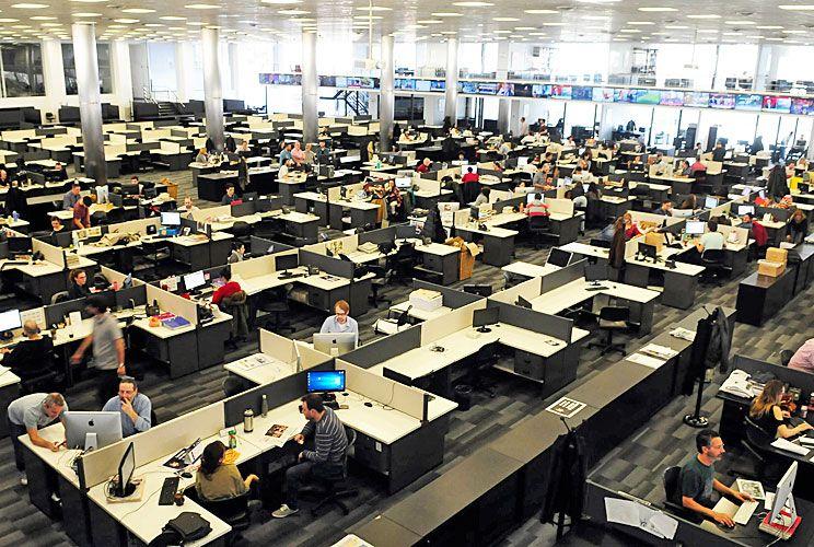 En la editorial. Los estudiantes de Periodismo que cursen en el instituto creado por Perfil aprenderán rodeados de editores, diseñadores y fotógrafos, en un espacio único.