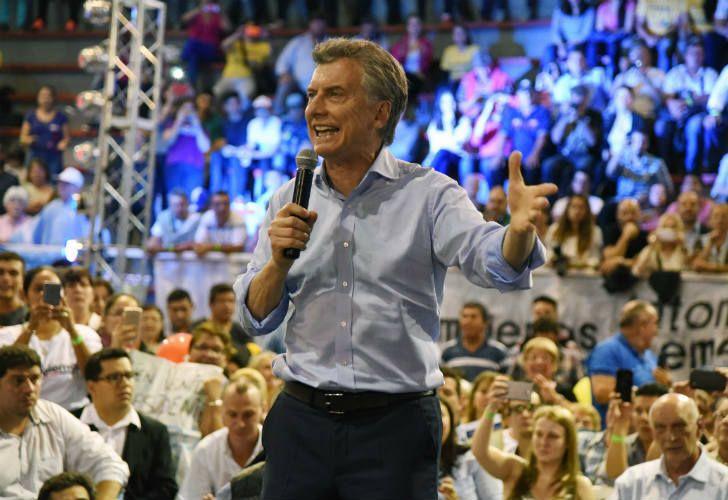 Mauricio Macri durante un acto en Misiones, junto a los candidatos de Cambiemos.