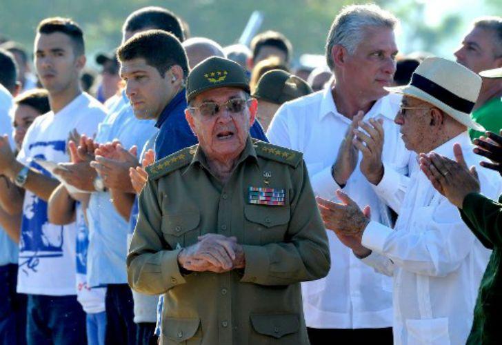 El mandatario cubano en el homenaje al Che Guevara.