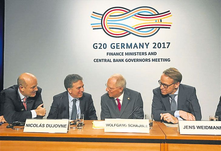 Hoja de ruta. Sturzenegger y Dujovne fijaron objetivos para la presidencia argentina del G-20.