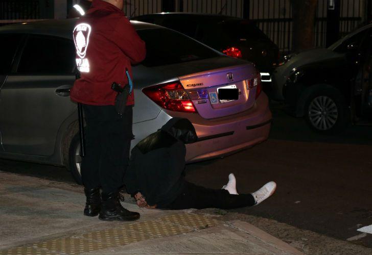 Un ladrón murió luego de tirotearse con la Policía, tras una persecución que empezó en Colegiales y terminó en Villa Ortúzar.