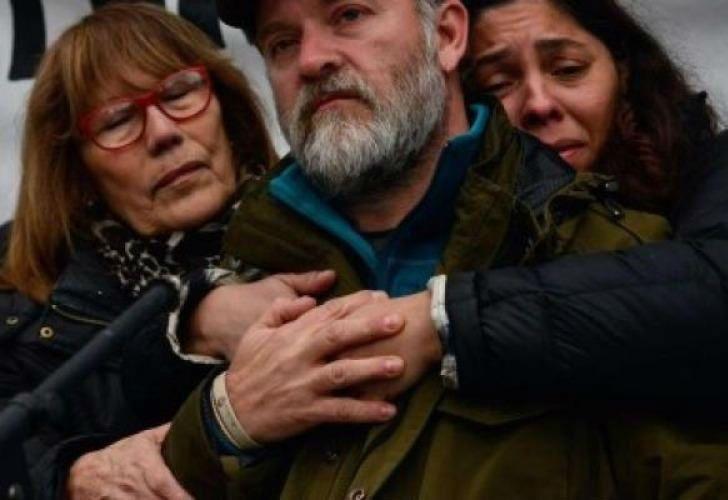 Respeto y prudencia. Dos gestos pedidos por la familia Maldonado en la semana clave del hallazgo de Santiago.