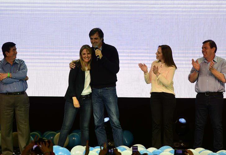 El candidato a Senador Esteban Bullrich, la gobernadora Vidal y el resto del equipo se dirijen a los presentes