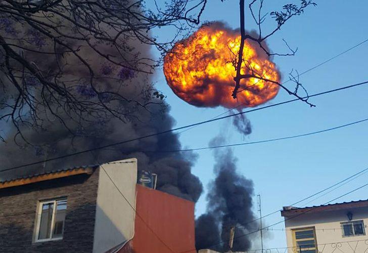 Incendio y explosiones en San Justo.