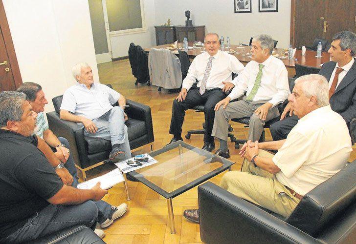 Juntos y separados. De Vido, López y Baratta, hoy presos, con Caló, Lingeri, Viviani y Martínez.