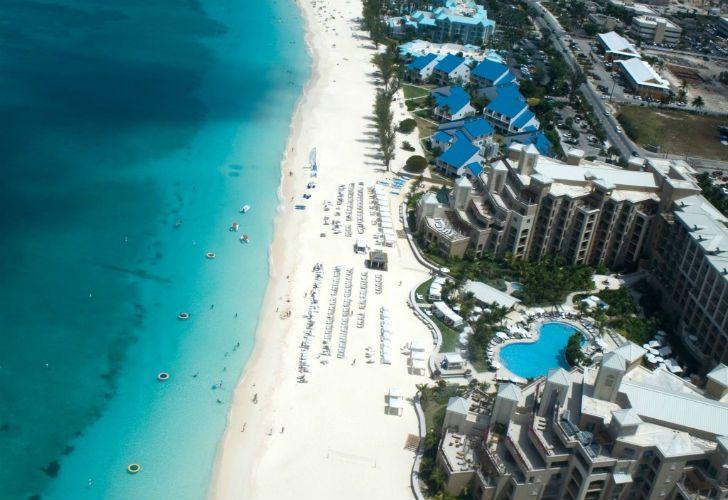 Caimán, Bermudas y Malta. Tres de los principales destinos offshore revelados por los Paradise Papers.