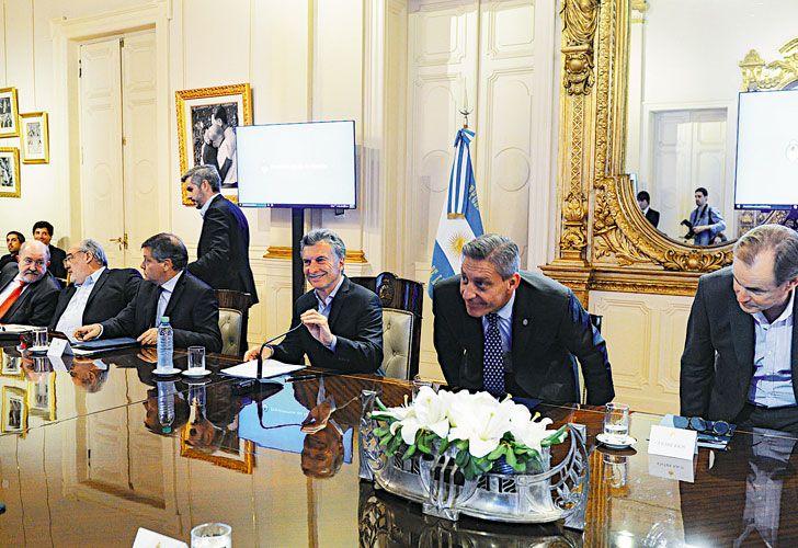 Presion. Macri recibió a los representantes de los 24 distritos. Este jueves, el segundo round.