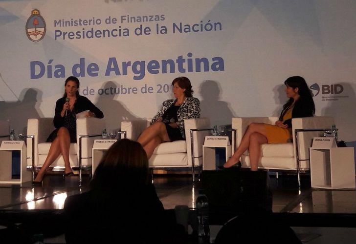 Helena Estrada, Denise Ferreyra y Jimena Zuniga