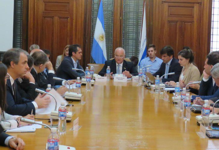 Sunko Rojas y Horacio Reyser visitaron la UIA para apaciguar a los empresarios