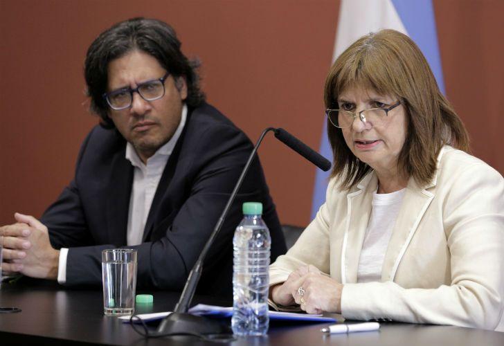Bullrich y Garavano brindaron una conferencia de prensa por el caso de Villa Mascardi.