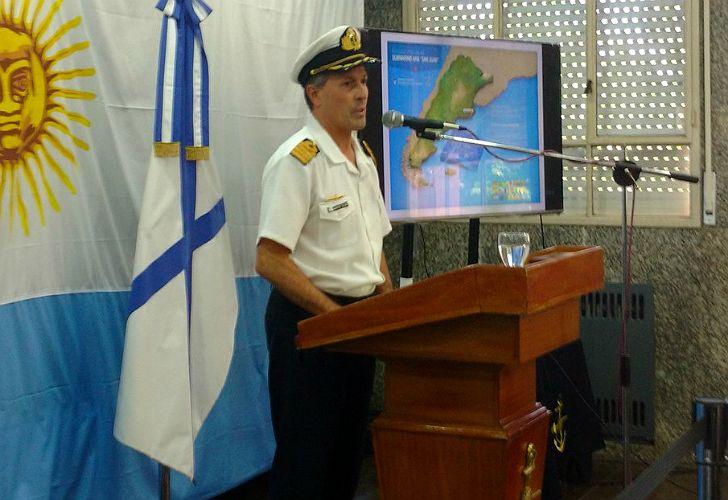 Enrique Balbi, vocero de la Armada, en conferencia de prensa.