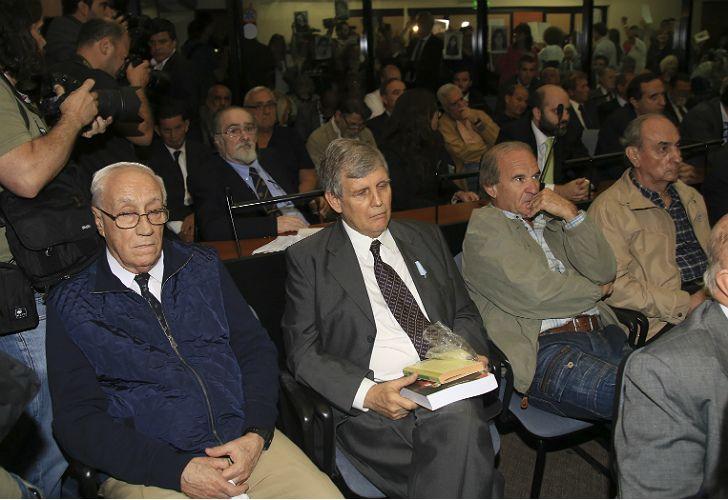El TOF5 condenó a la pena de prisión perpetua a los represores Jorge El Tigre Acosta y Alfredo Astiz