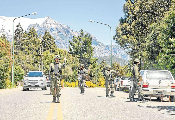 Controles. En toda la ciudad se desplegaron unidades especiales para detectar explosivos.