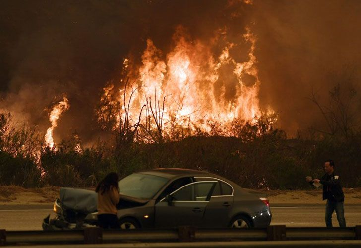 En la ciudad de Santa Paula se vieron los estragos más impactantes, dejando imágenes apocalípticas, algunas parecidas a una erupción volcánica.