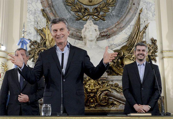 Mauricio Macri junto a Emilio Monzó, Presidente de la Cámara de Diputados, y Marcos Peña, jefe de Gabinete.