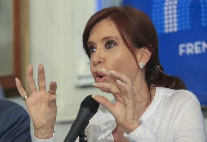 Cristina Fernández dio una conferencia de prensa en el Congreso tras ser procesada por traición a la patria.